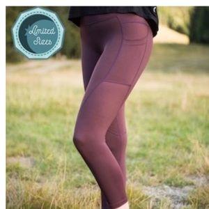 Zyia pocket light n tight leggings - wine